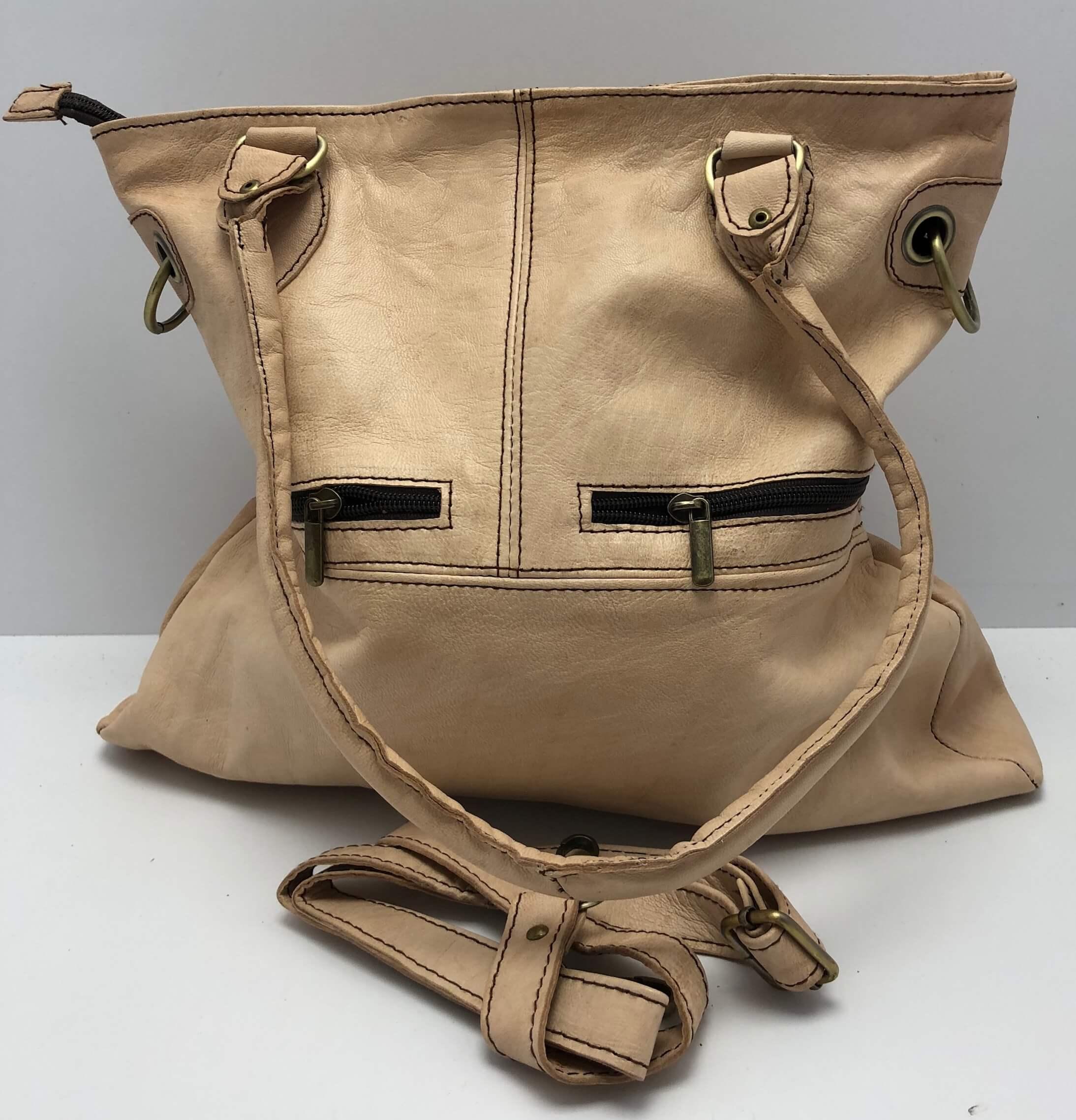 abf07489c5 Kožená kabelka velbloudí