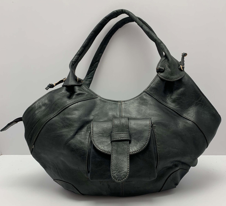Kožená kabelka ve stylu Hobo černá 8a48b343f34